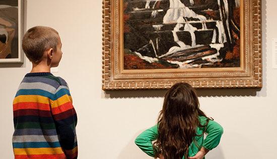 kids at Museum art Gallery